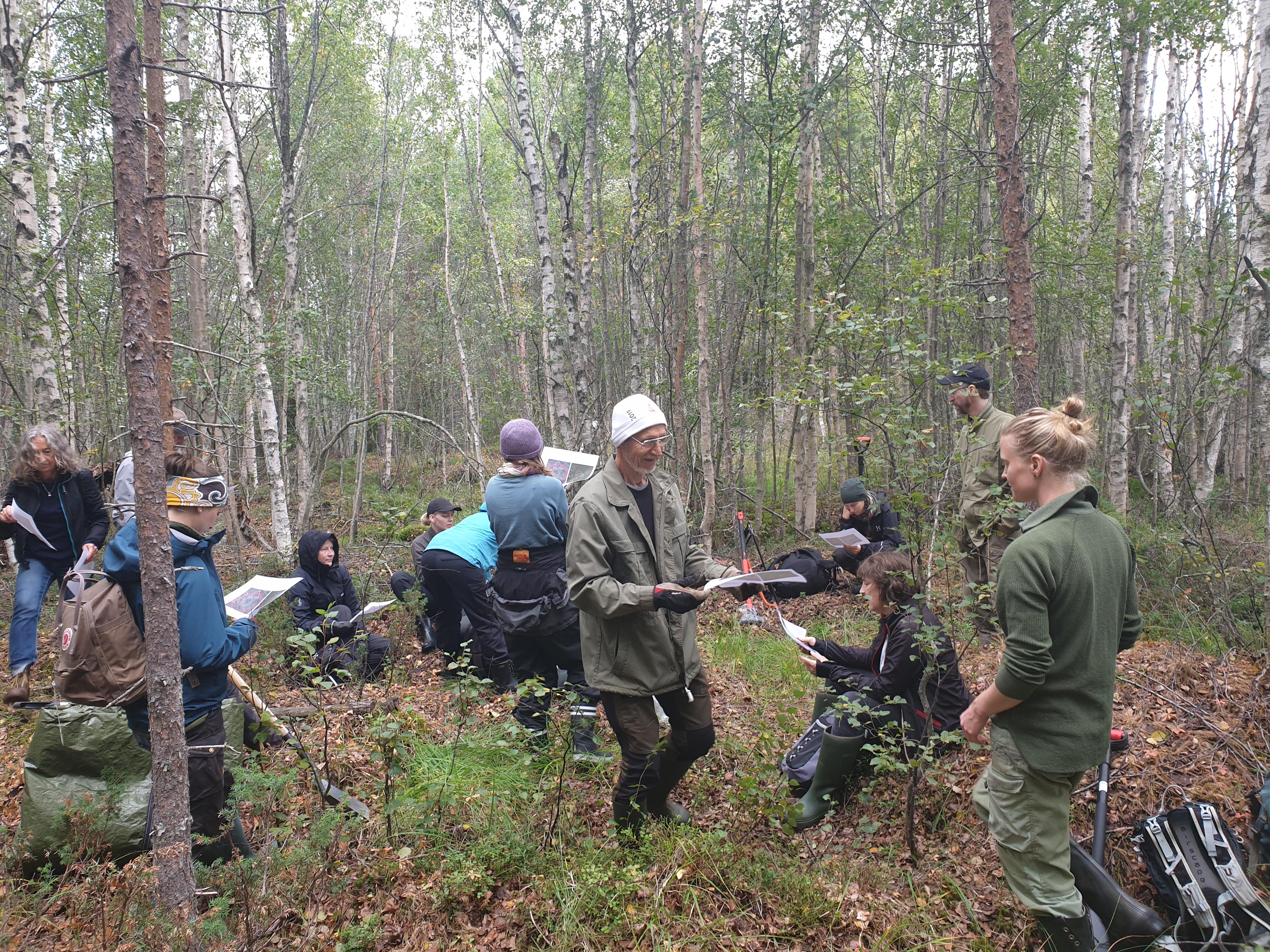 Väl på plats hade vi genomgång av dagen, kikade på kartor och tog del av Luleå kommuns fortsatta arbete i området.